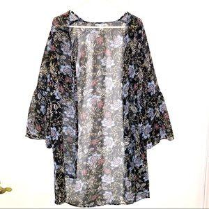 American Eagle Black Floral Flounce Sleeve Kimono